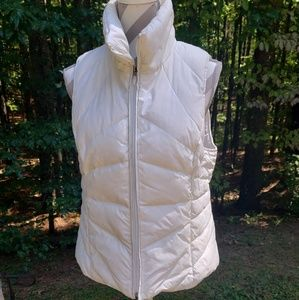 Kenneth Cole Reaction white puffer vest Large